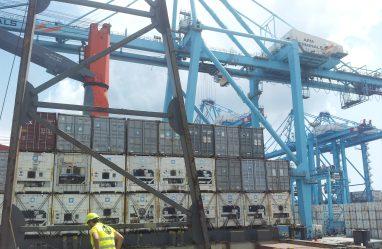 Medición estructural en buque-grúa